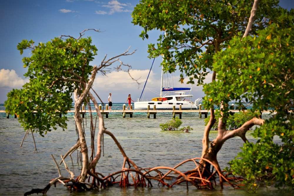 Sailing off the heavenly Belizean coast | Calgary Adventure Travel & Luxury Tours